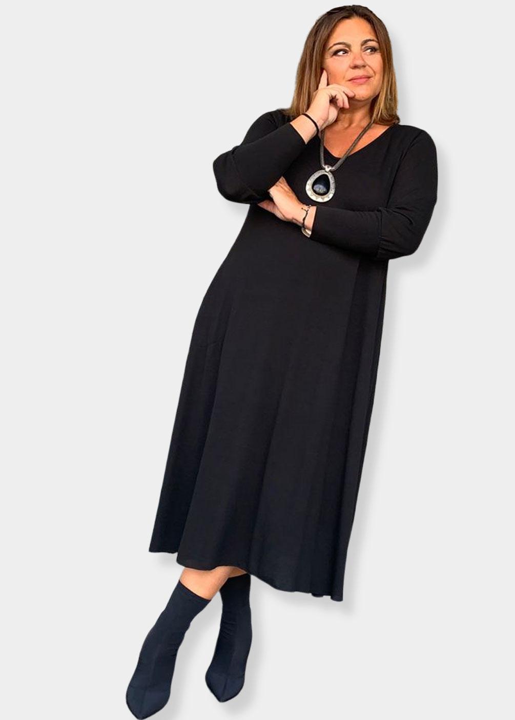 vestido negro plus size